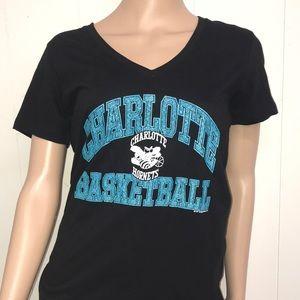 Charlotte Hornets Basketball T-shirt Size Medium
